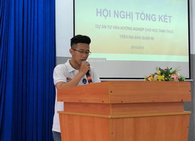 Nguyễn Mai Tuấn Dũng chia sẻ câu chuyện của mình /// MỸ QUYÊN
